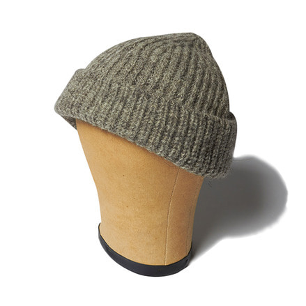 KNITTED BEANIE _ GREY