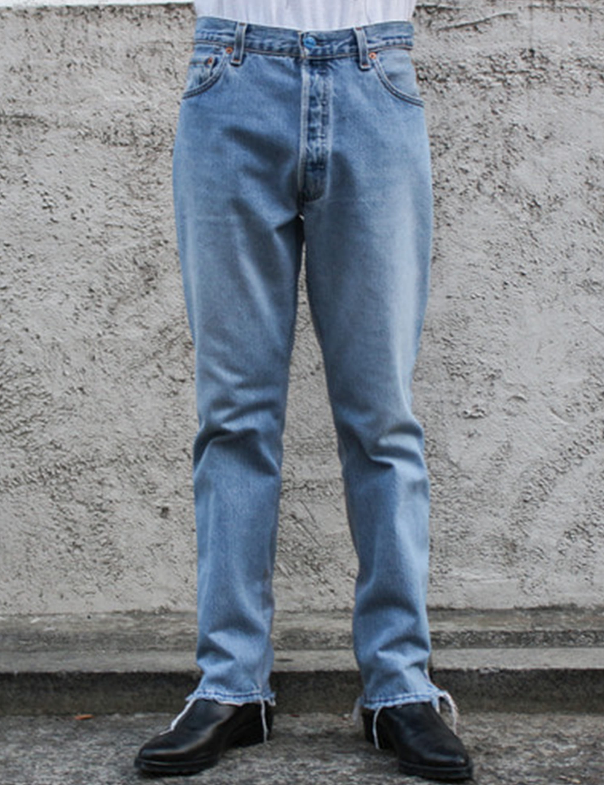 REVERSE DECONSTRUCTED MENS FIT JEANS_LIGHT BLUE DENIM