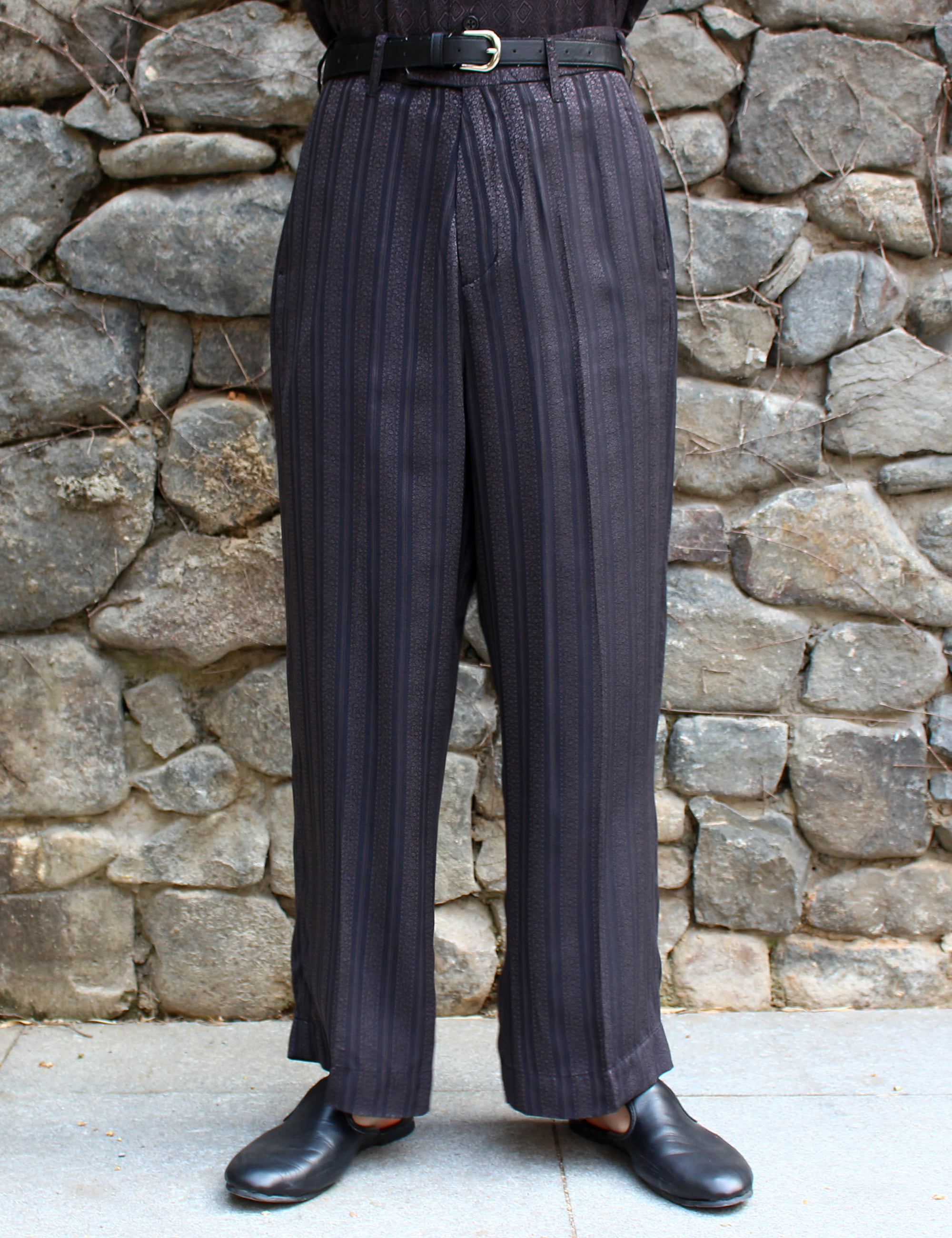 NO TUCK WIDE TROUSER_BLACK JAQUARD STRIPE