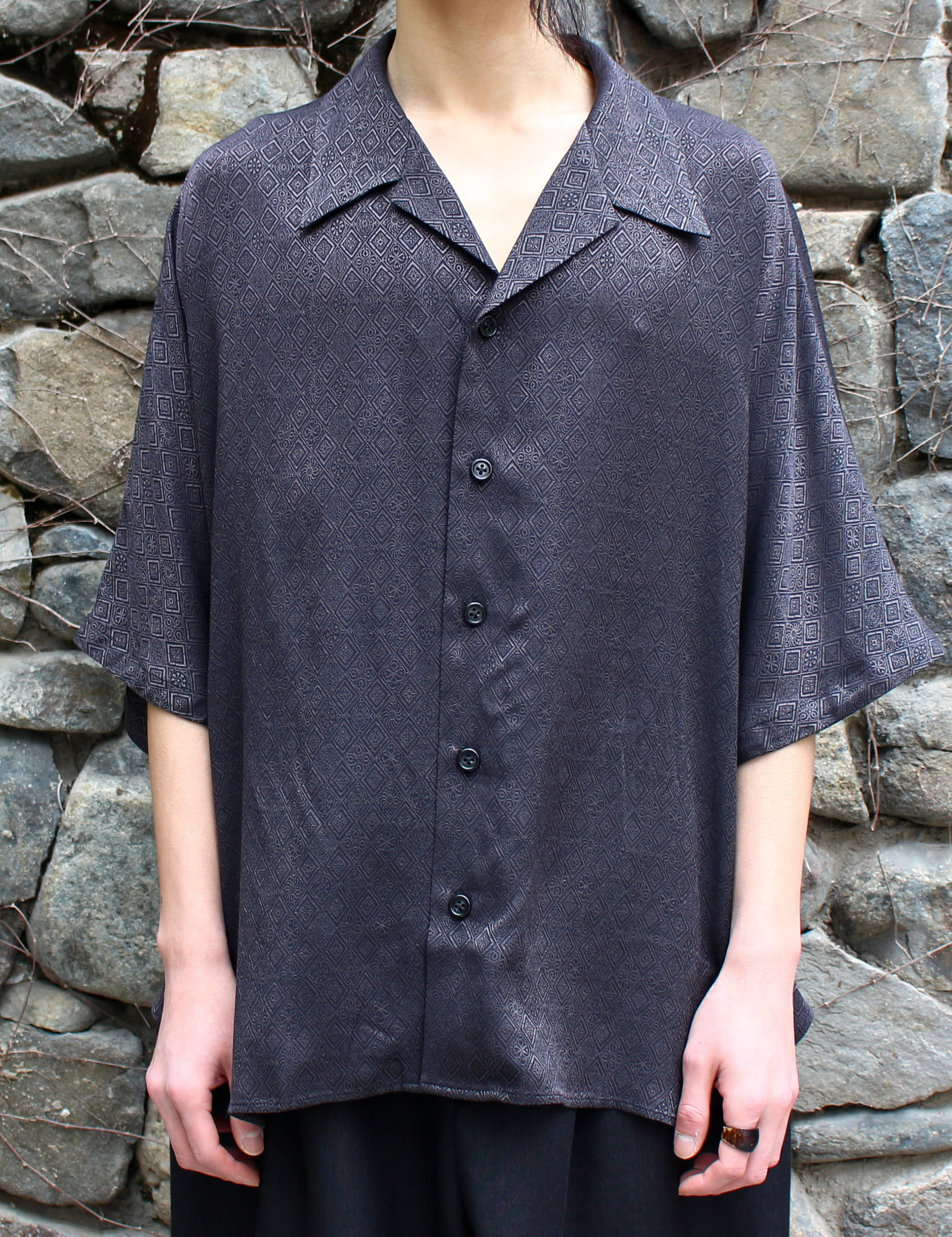 SHORT SLEEVE DOLMAN SHIRT_BLACK JAQUARD DIA