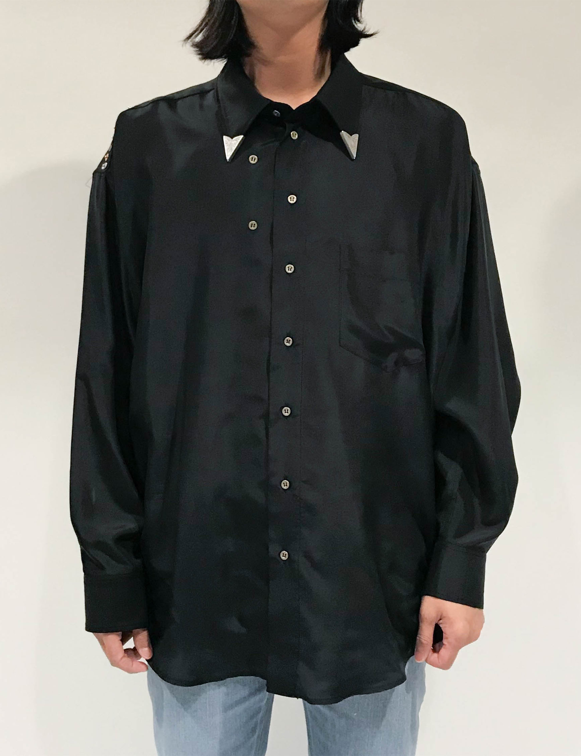 DYSTOPIAN STUDS TWISTED SHIRT_BLACK