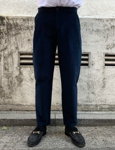 PLEATED WIDE TROUSERS_NAVY CORD